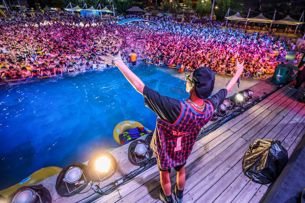 Wuhan, China Pool Rave Attracts Thousands in City Where COVID-19 Was First Identified - EDM.com