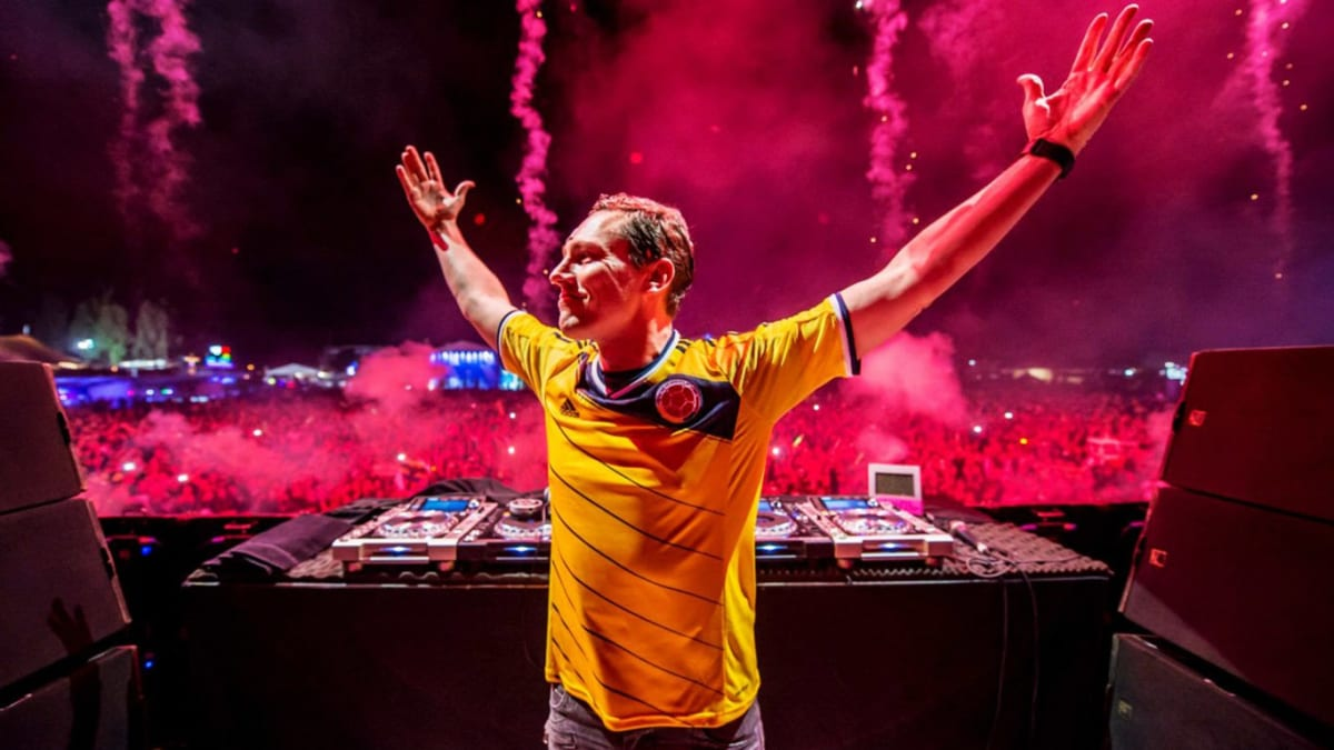 "Tiësto Teases He's ""Getting Ready for Something Big"" - EDM.com"