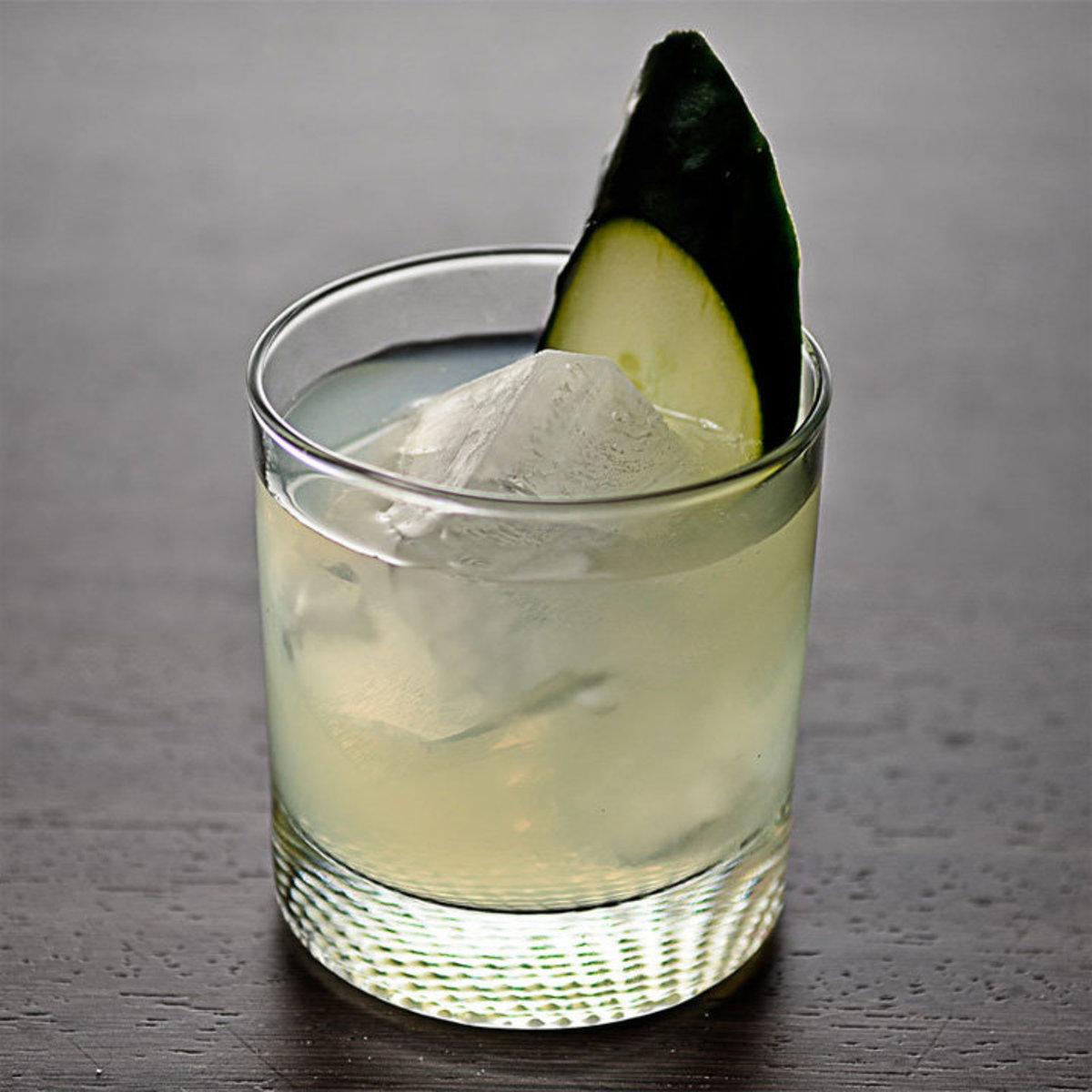 cucumber-basil-lime-gimlet-720-720-recipe