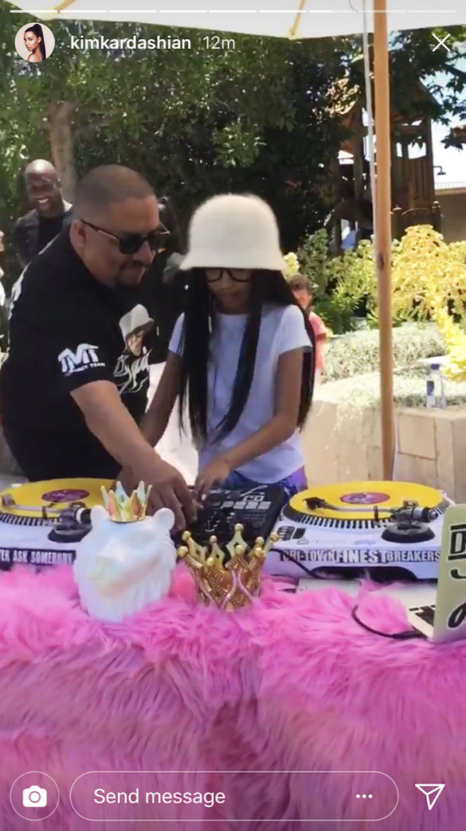 kim-kardashian-north-west-penelope-disick-birthday-party-3 2