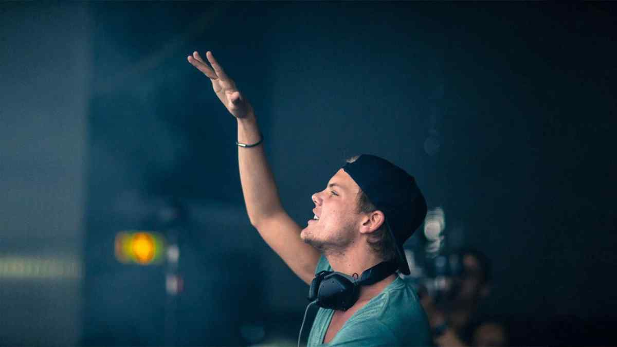 01-dj-avicii-in-sri-panwa-phuket-resort1 2