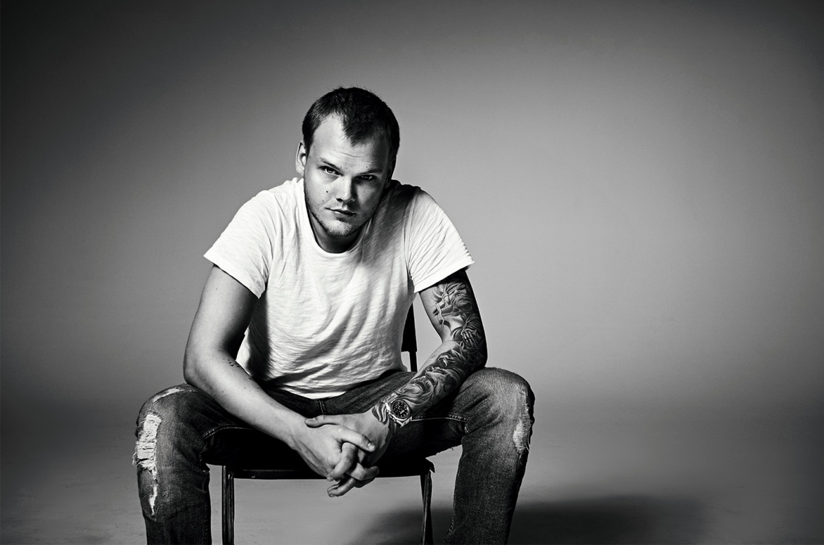 Black-and-white photo of late Swedish DJ/producer Avicii A.K.A. Tim Bergling.