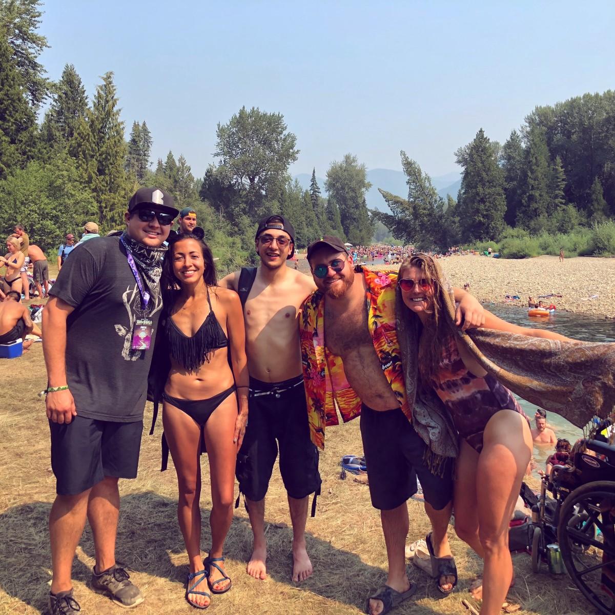 Salmo Beach Crew
