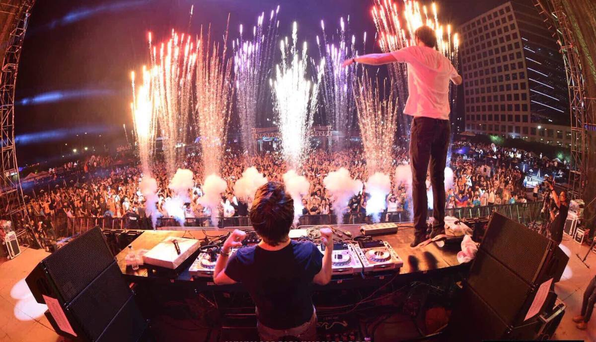 Vicetone Stage