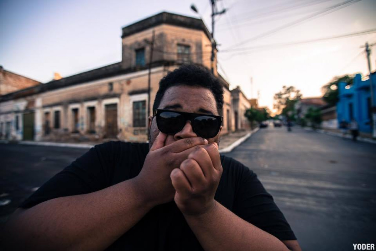 DJ Carnage Trying Not To Throw Up