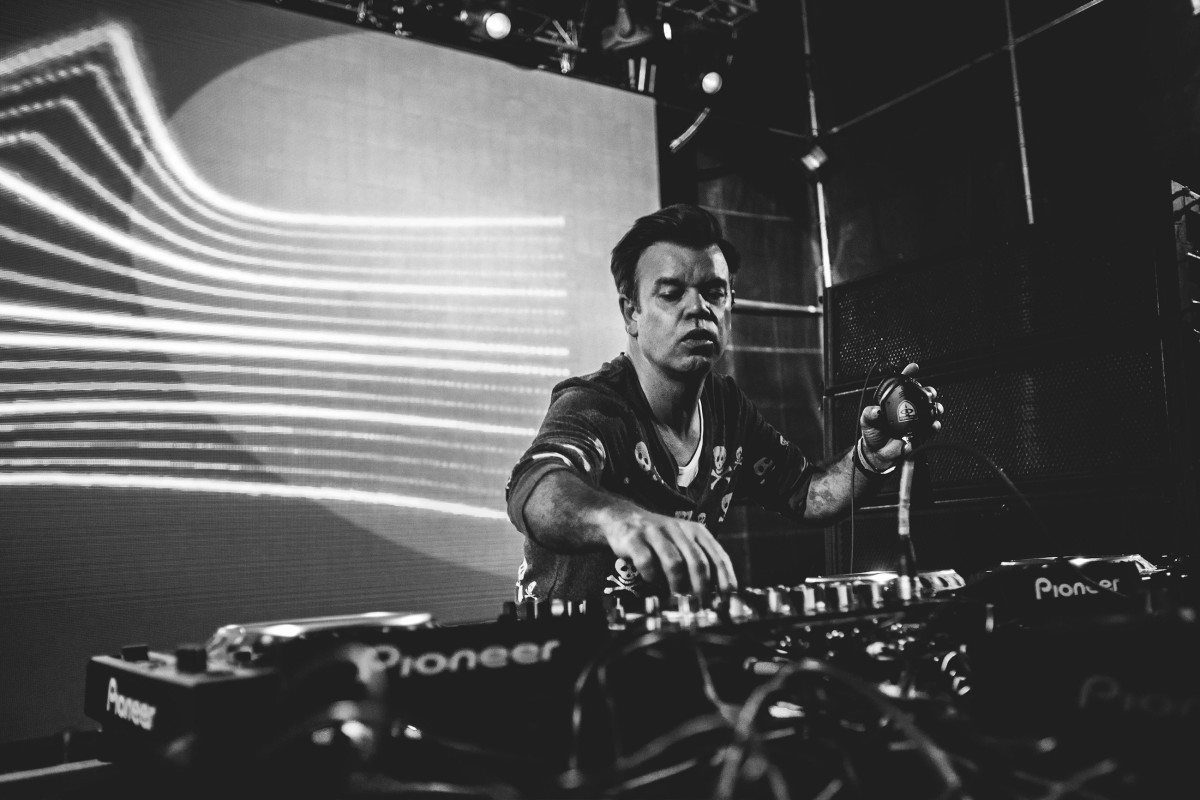 """Paul Oakenfold and Galestain Release """"Summer Nights"""""""