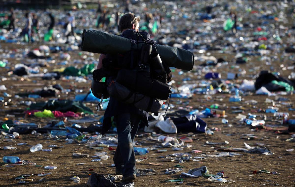 Glastonbury-Festival-clean-up