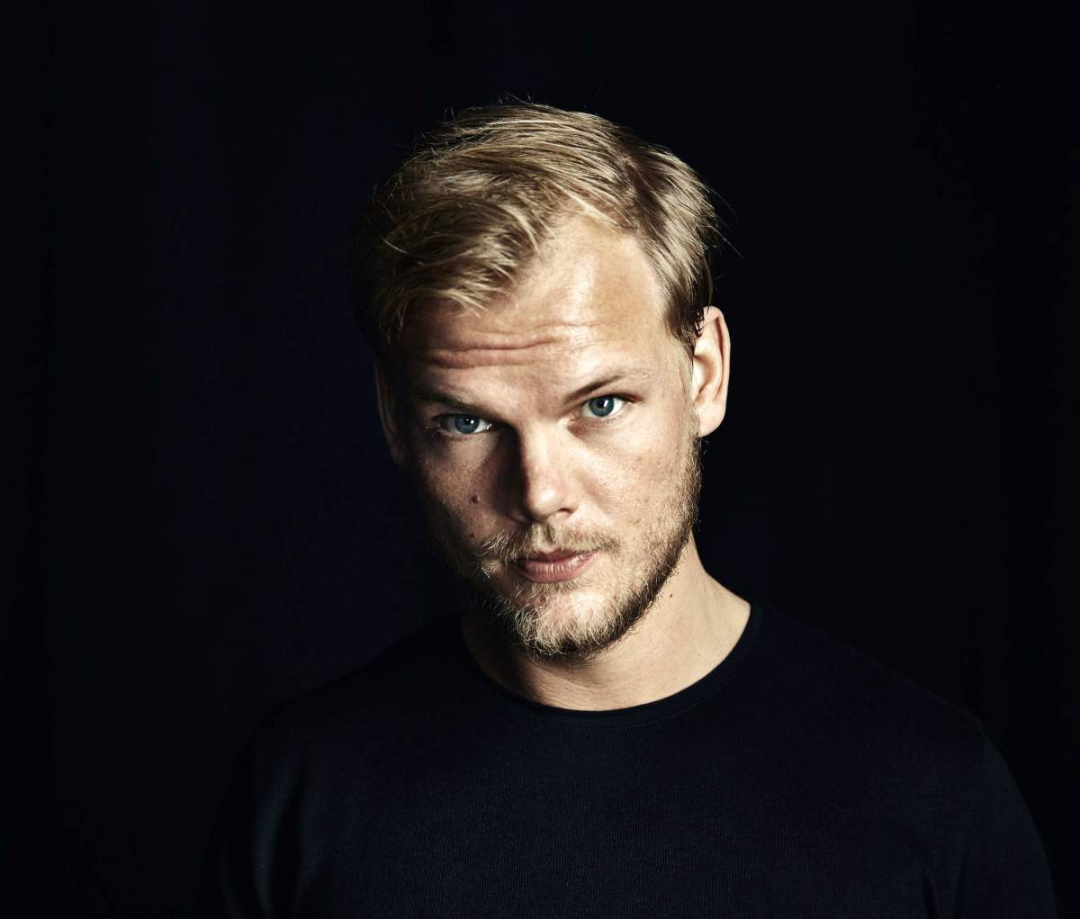 Fans will be Able to Pre-listen to Avicii's Posthumous Album via Worldwide Cube Installations