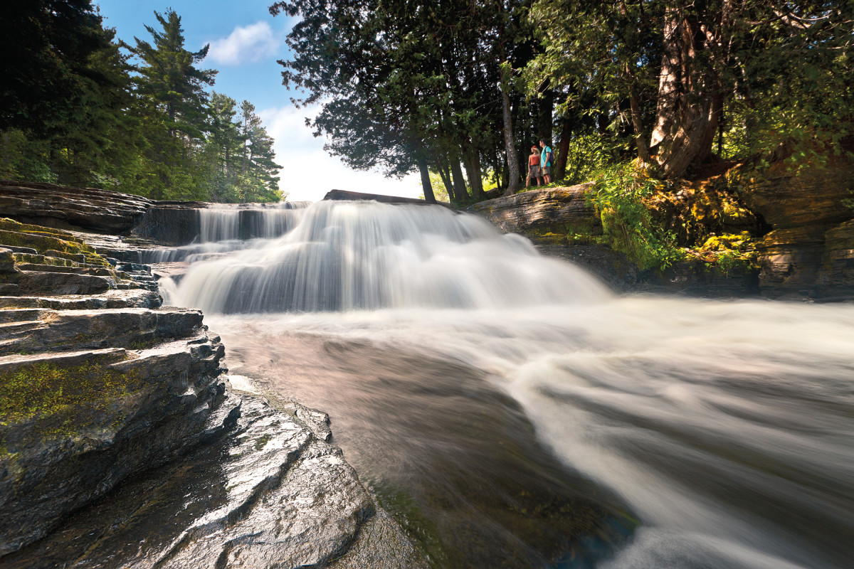 03---The-Cedar-and-the-Falls
