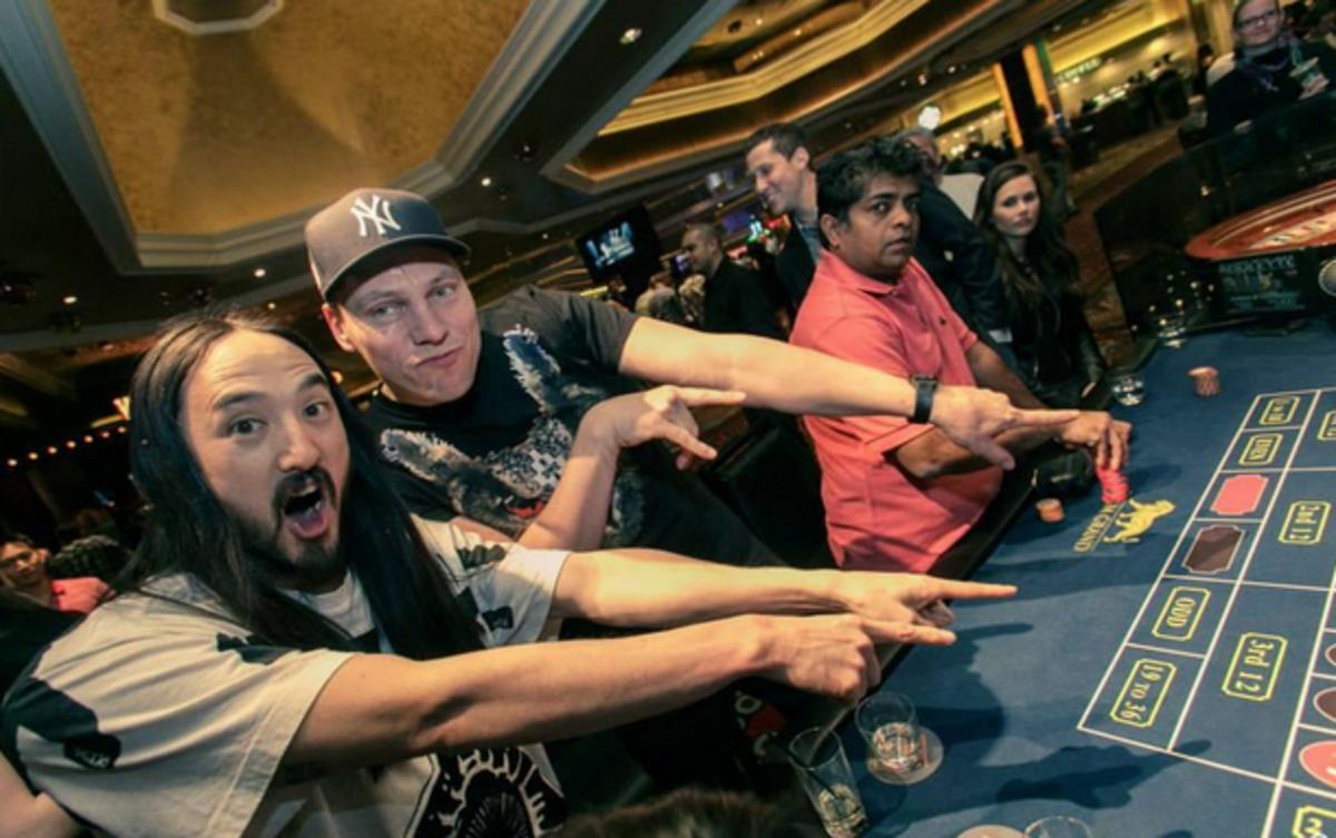 Steve Aoki & Tiesto Gambling At A Casino