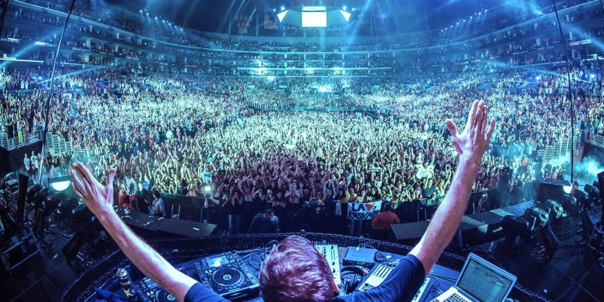 Las Vegas Nightclub Performance (EDM)