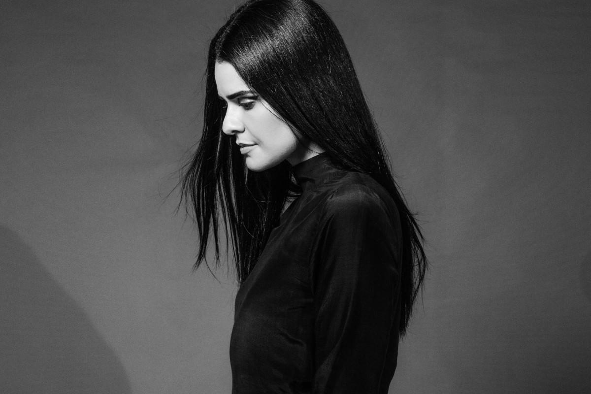 ANNA side profile_hori_1018