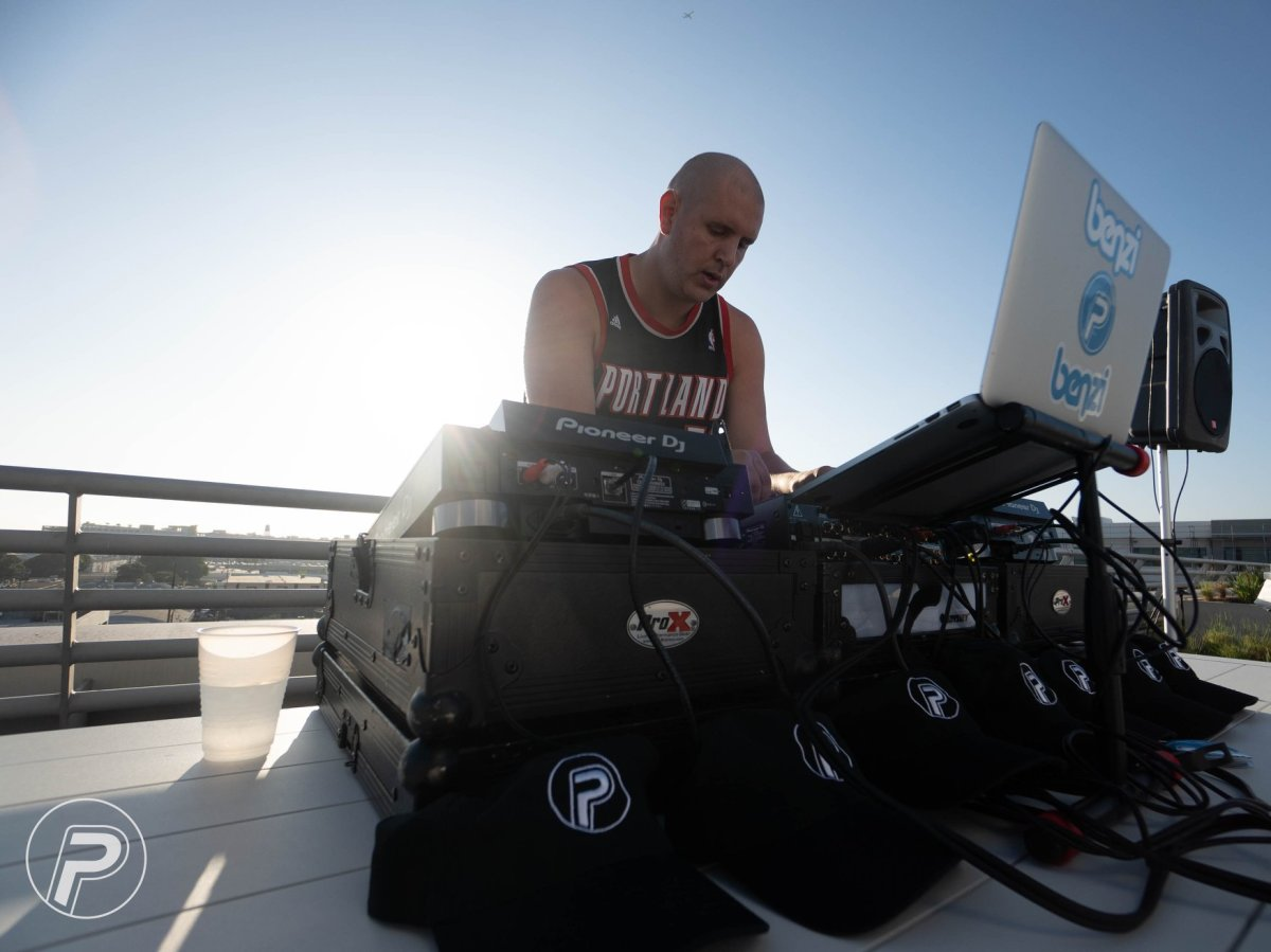 BENZI DJ's At Parametric Records - Summer Sunsets Party