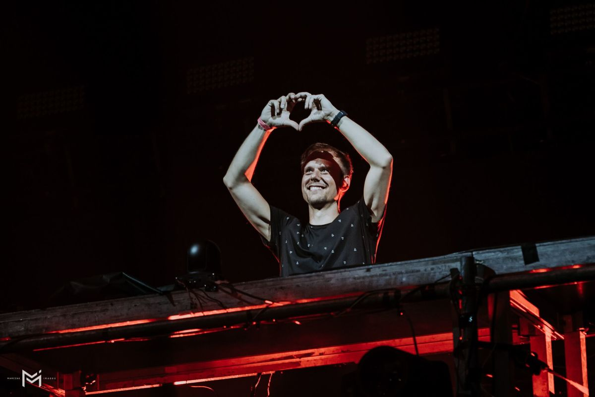 """Armin van Buuren and Inner City Bridge Amsterdam and Detroit with """"It Could Be"""""""