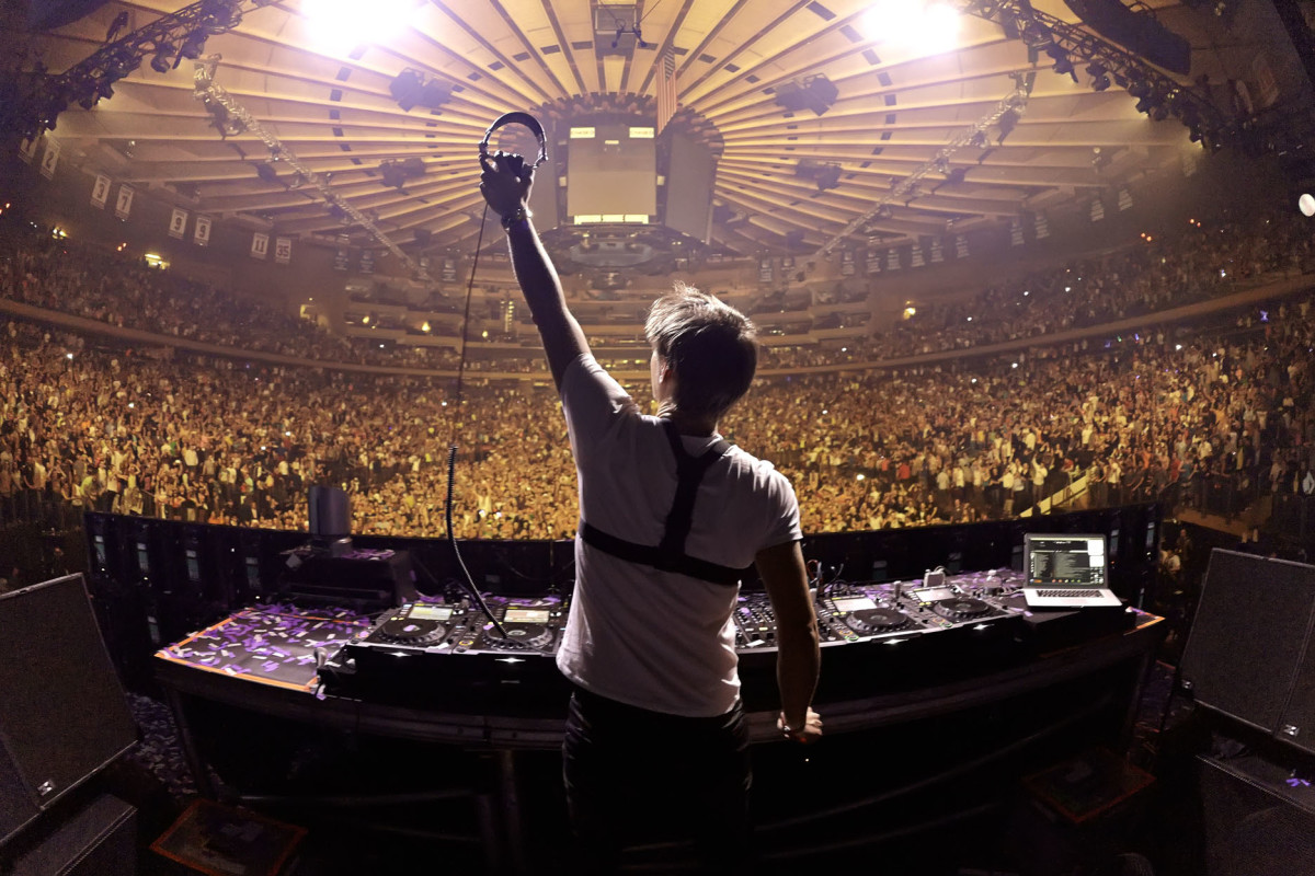 Armin van Buuren Releases 'The Best Of Armin Only' - A Three Hour Full Show