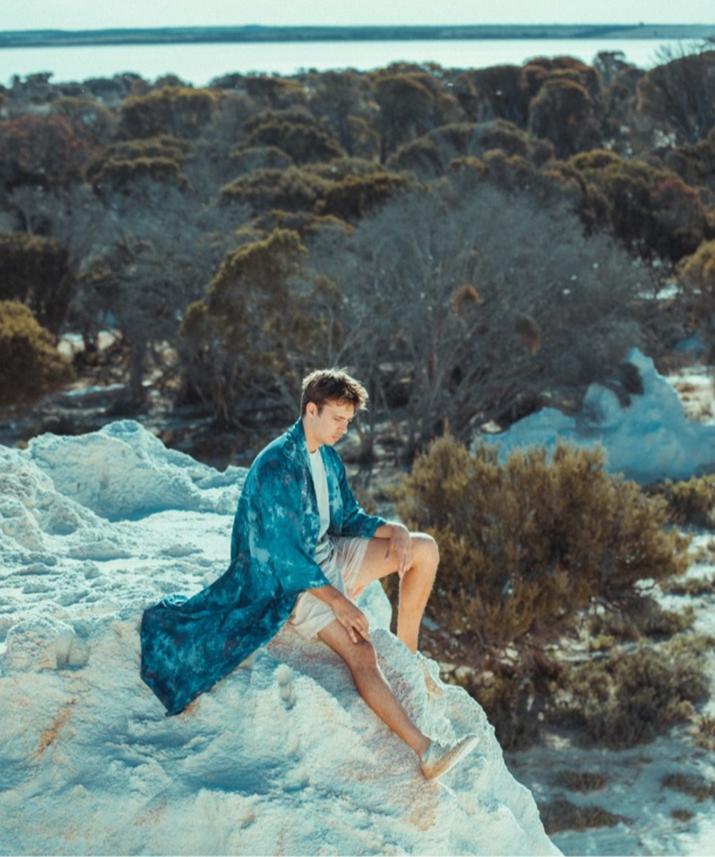 """Flume Drops New Track """"Let You Know"""" ft. London Grammar"""