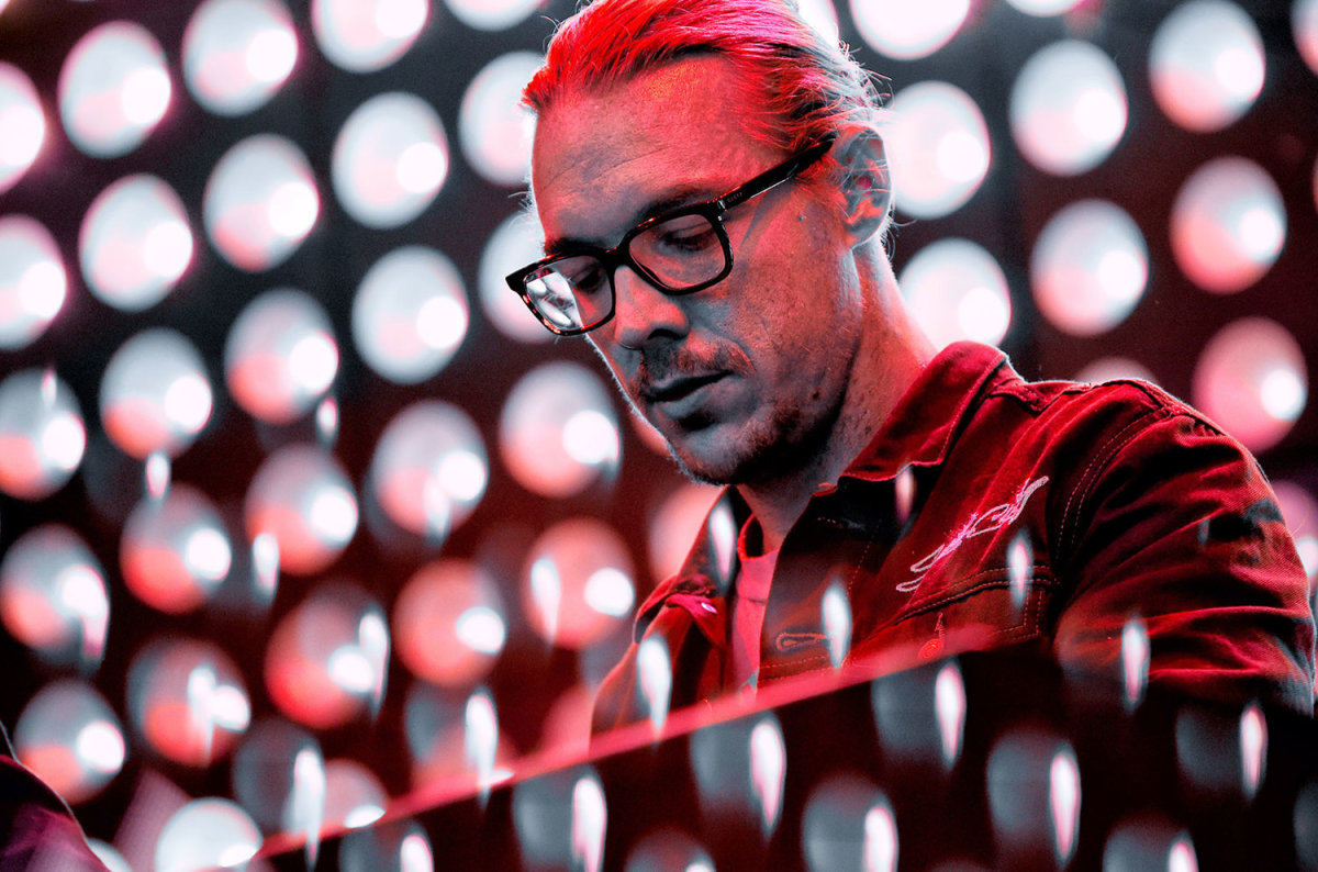 """Diplo to Release Tech House Remix of Kaskade and Felix Cartal's """"More"""" ft. Jenn Blosil"""