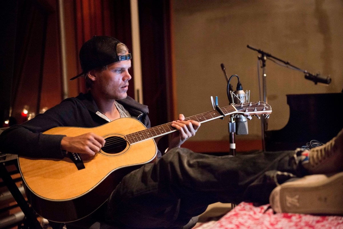 Avicii's Biography will be Penned by Swedish Writer Måns Mosesson