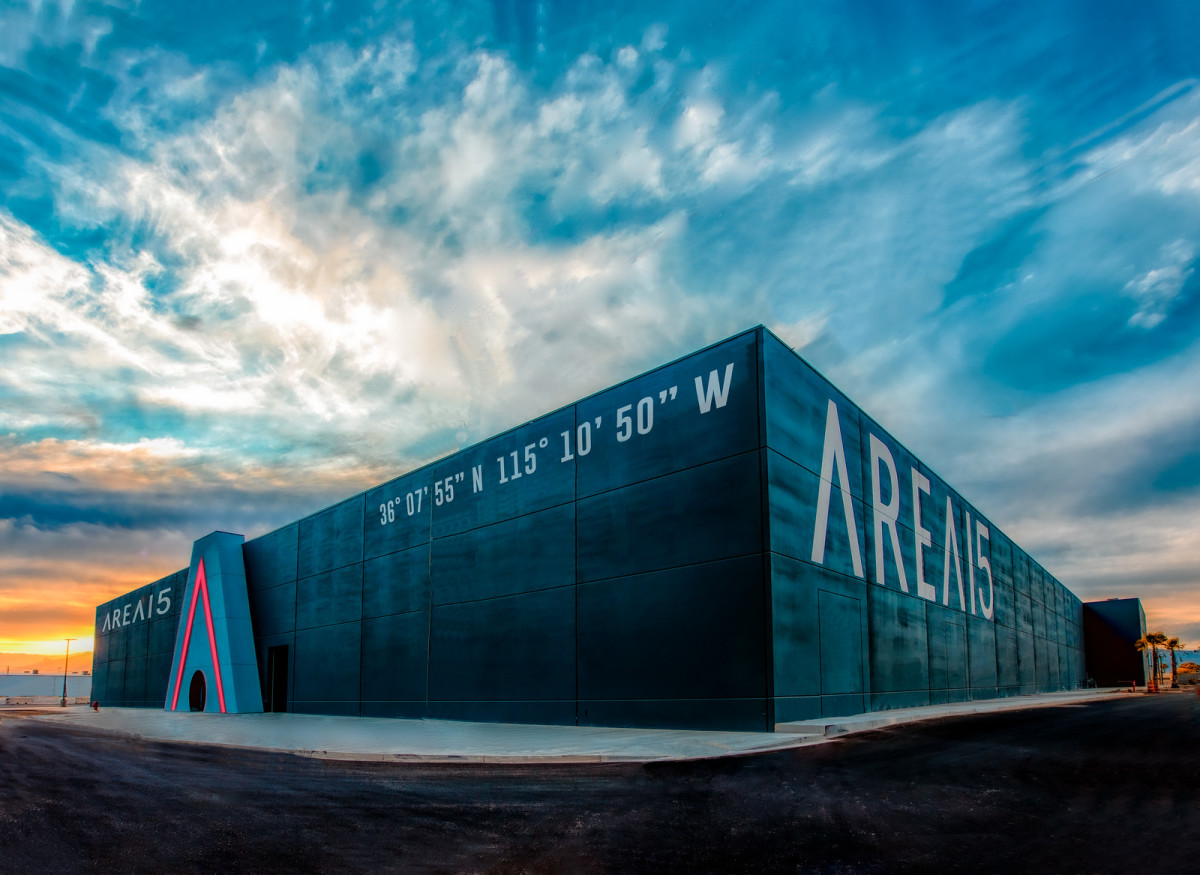 "Old Burning Man Sculptures Find a Home at New ""Area 15"" Art Complex"
