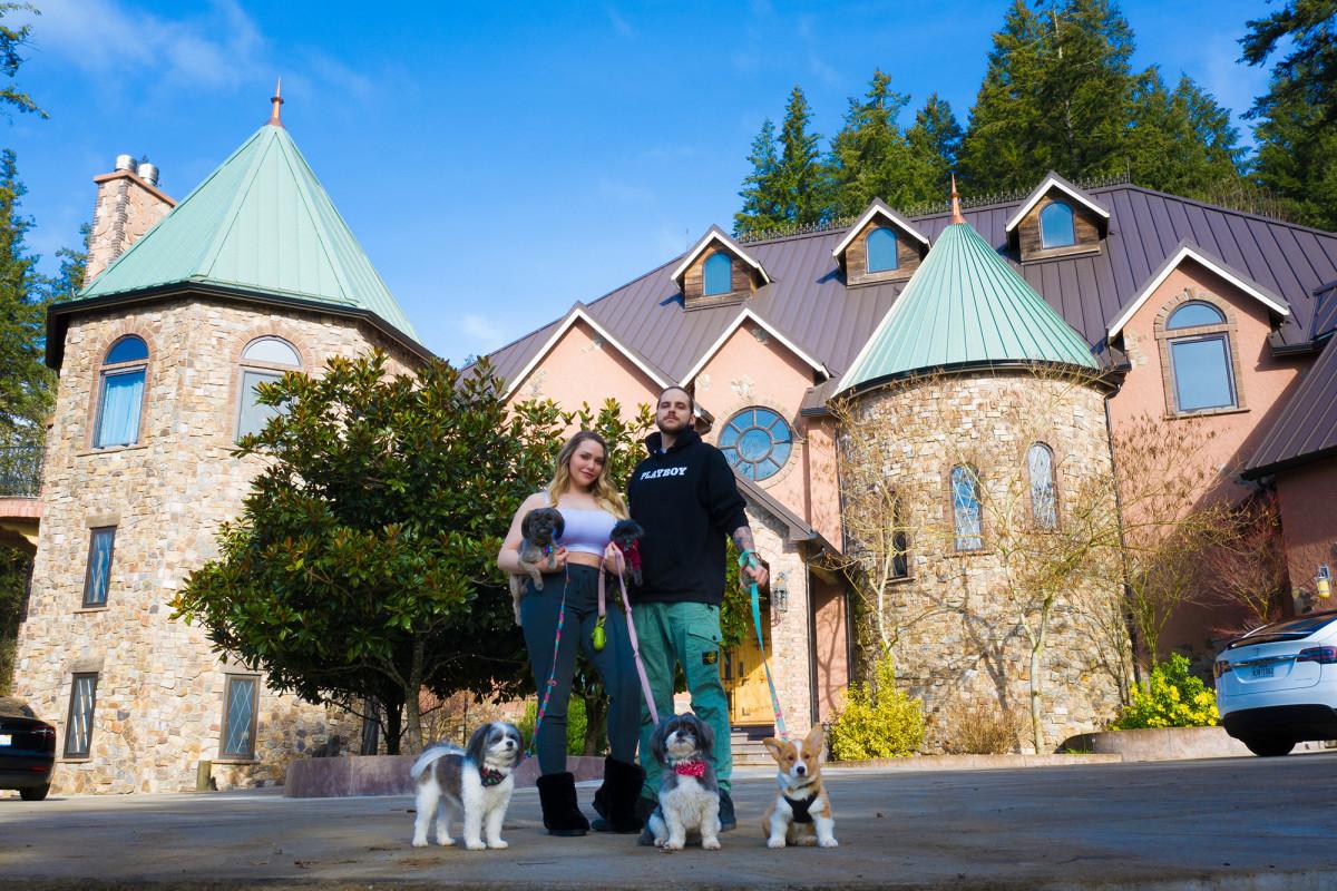 Porn star Mia Malkova purchased the$4 million Oregon castle Avicii rented to produce his final album, Tim.