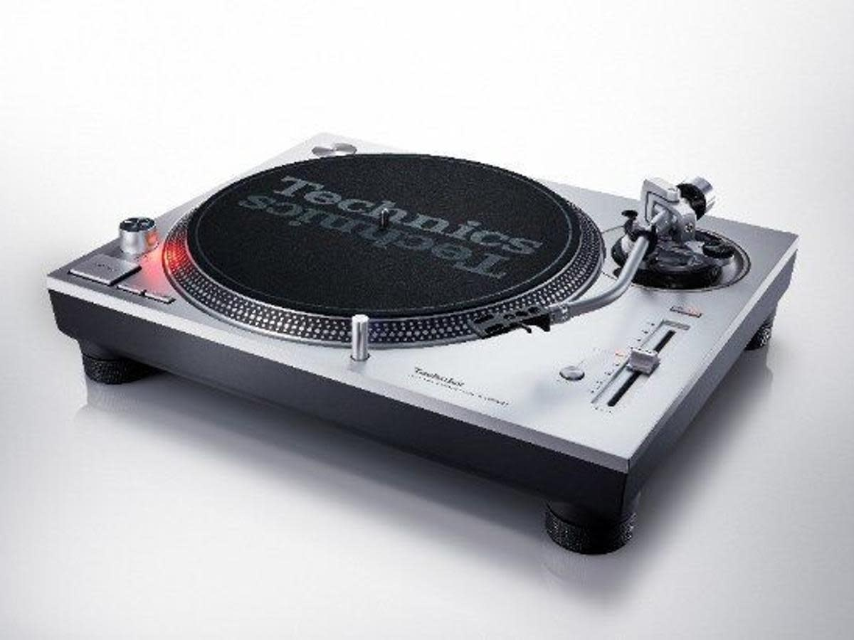 Technics' new SL-1200MK7-S model.