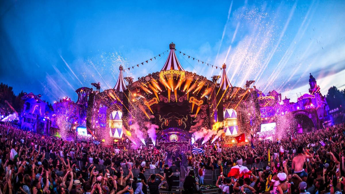 The mainstage at Tomorrowland's 2017 edition.
