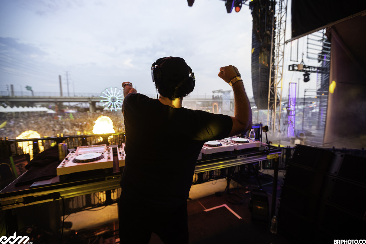 Deorro performs on the Summit tage at Global Dance Festival 2021.