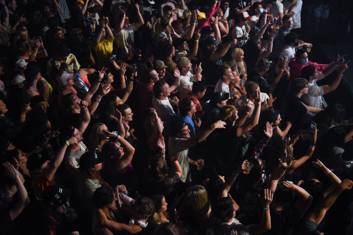 """Brownies & Lemonade's """"All Stars & Friends"""" aftershow pulled a sold-out crowd to one of Wicker Park's most beloved venues, Chop Shop."""